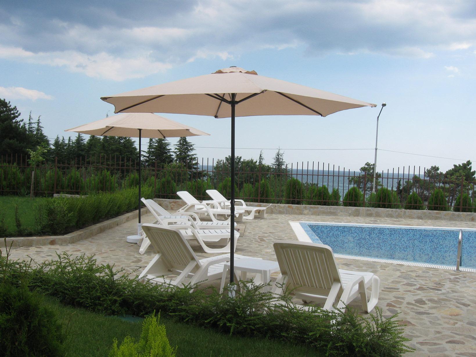 aquaray-guesthouse-garden-4
