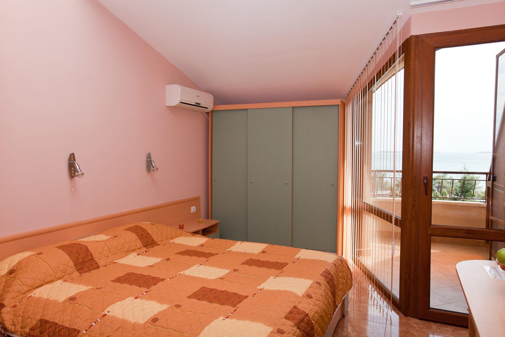 aquaray-guesthouse-room-3
