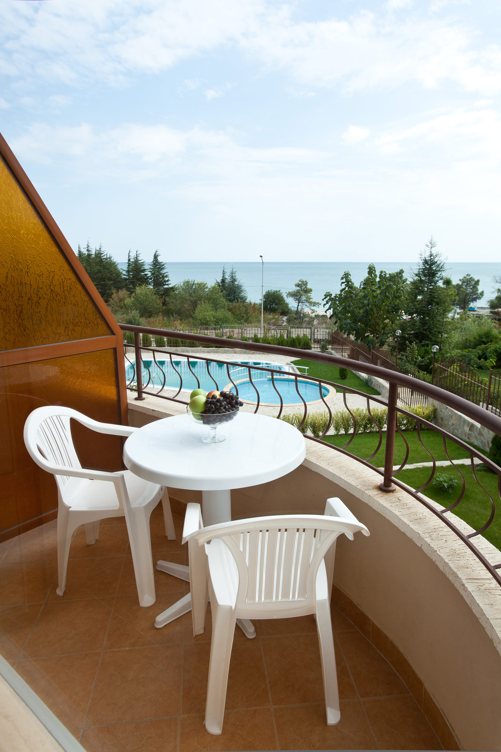 aquaray-guesthouse-room-5-balcony